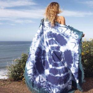 Gypsy 05 • Indigo Blue Beach Roundie